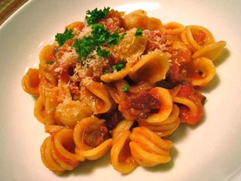 Gnocchi met pittige tomatensaus