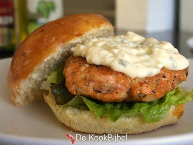 Zalmburgers met tartaar