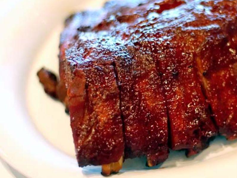 Ribbekes met Pikante BBQ-saus à la Weber