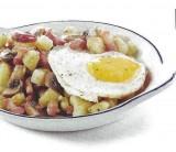 Aardappelpannetje met spek, champignons en ei