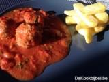 Balletjes in pikante tomatensaus