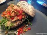 Club sandwich met kalkoen en tonijnsaus