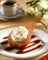 Gepocheerde peren met steranijs en platte kaas
