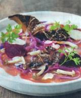 Carpaccio van everzwijn met groenten in't zuur