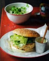 Kipburger met wasabimayonaise