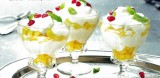 Yoghurt met mango en vlierbloesemsiroop