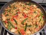 Paella van kip, chorizo en Ras-El-Hanout