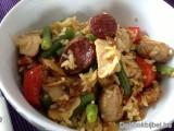 Paella van kip en chorizo