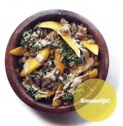 Quinoasalade met gestoofde boerenkool en mango