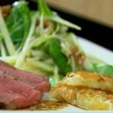 Rösti met gebraden rosbief en wintersalade