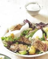 Salade met gerookte makreelfilet