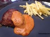 Steak met Halloween saus