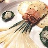 Zalm met béarnaisesaus en garnalen